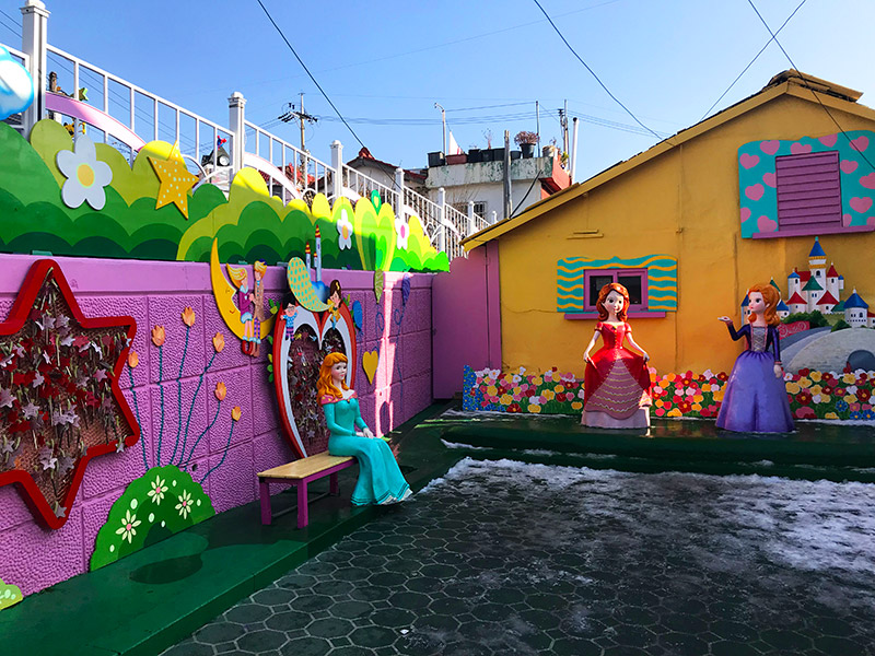 What to do in Incheon fairy tale village travelling