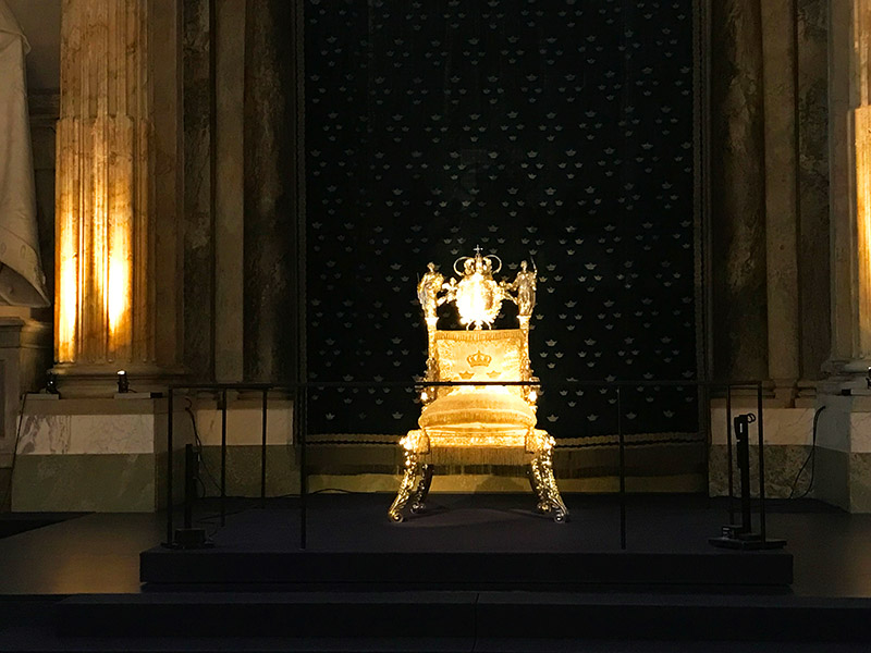 royal palace chair